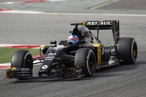 F1: Egy-egy évet kaptak a Renault-pilóták