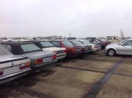 Több száz csodás klasszikus kocsi vár a bezúzásra, és egyet sem menthetünk meg
