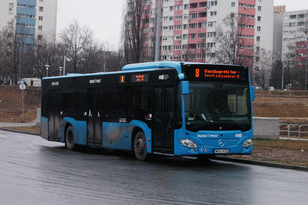 8-as_busz_(MHU-830)