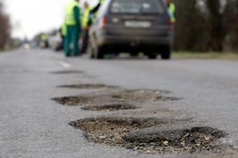 Járhatatlan utak miatt tüntettek Túrkevén