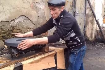 Ilyen a hengerfej síkolása valódi kézműves módszerekkel