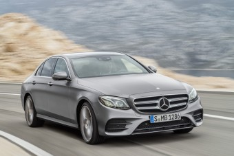 Megérkezett a magától előző Mercedes