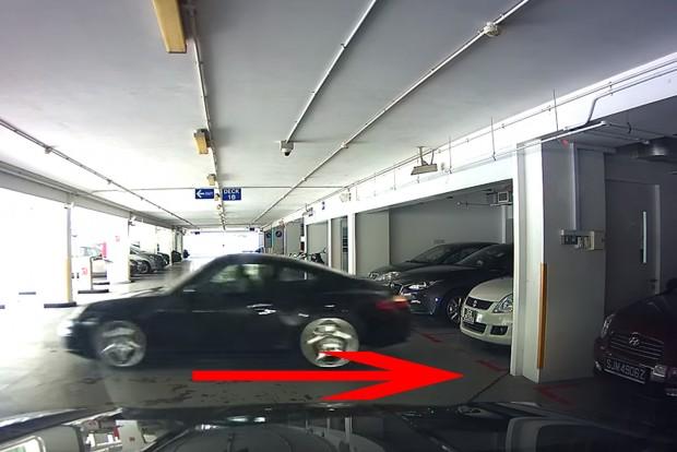 Ez a porschés valamit nagyon elnézett, lezúzta a Suzukit
