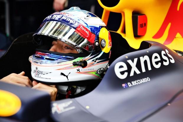 F1: Ricciardo alig boldogult a Red Bull-lal
