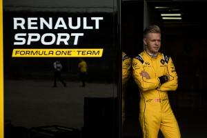 F1: A Renault csak tesztel a versenyeken