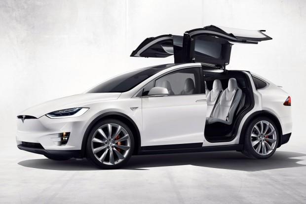 Veszélyes a Tesla szárnyas ajtós egyterűje