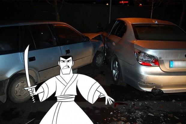 Karddal és Suzukival támadt a BMW-re
