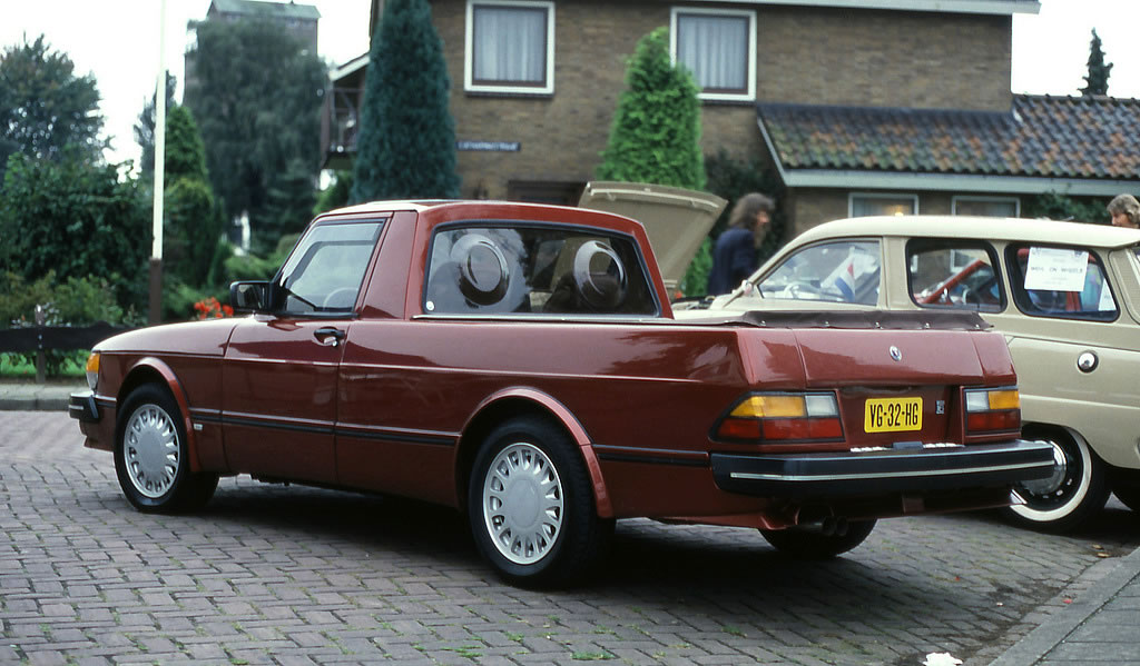 1982-Saab-900-Pickup-rear