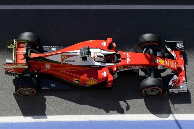 F1: A Ferrarié lesz az első 2017-es tesztautó