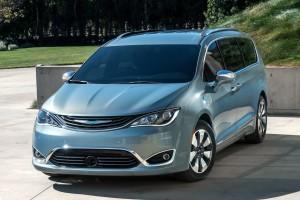 Hibrid minibuszból épít önjáró autót a Google