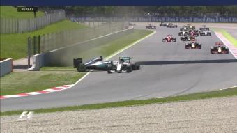 F1: Kiütötte egymást a két Mercedes