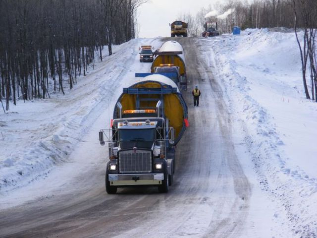 supersized_truck_loads_640_20