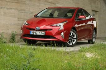 Toyota Prius: ez tényleg 4 litert fogyaszt