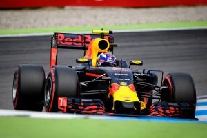 F1: A Red Bull túllőtt a célon