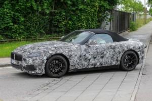 Ismét vászontetős lesz a BMW roadstere