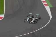 Videóelemzés a Hamilton-Rosberg ütközésről