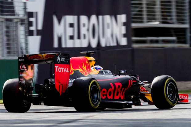 F1: Rendkívüli ajándék Ricciardónak
