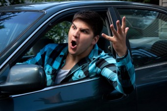 Ijesztő szám az utakon dühöngő autósokról