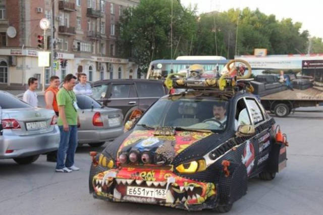 weirdly_customized_cars_640_16