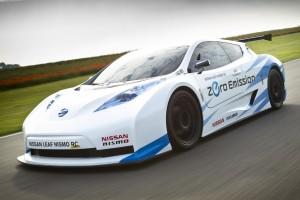 Elektromos sportautóban gondolkodik a Nissan
