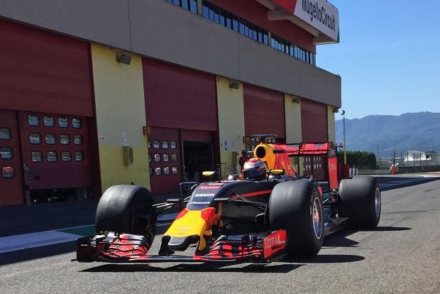 F1: Nem elég jók a tesztautók?