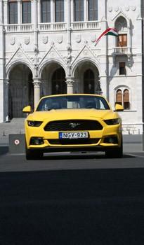 Ford Mustang, négy hengerrel: nem tragédia