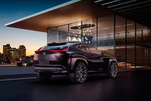 Bevállalós SUV-t mutat be a Lexus
