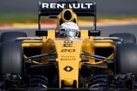 F1: Iszonyatos toborzásba kezdett a Renault