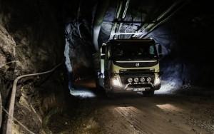 Önvezető teherautót tesztel a Volvo egy bányában
