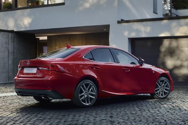 2017_Lexus_IS_200t_F_SPORT_06