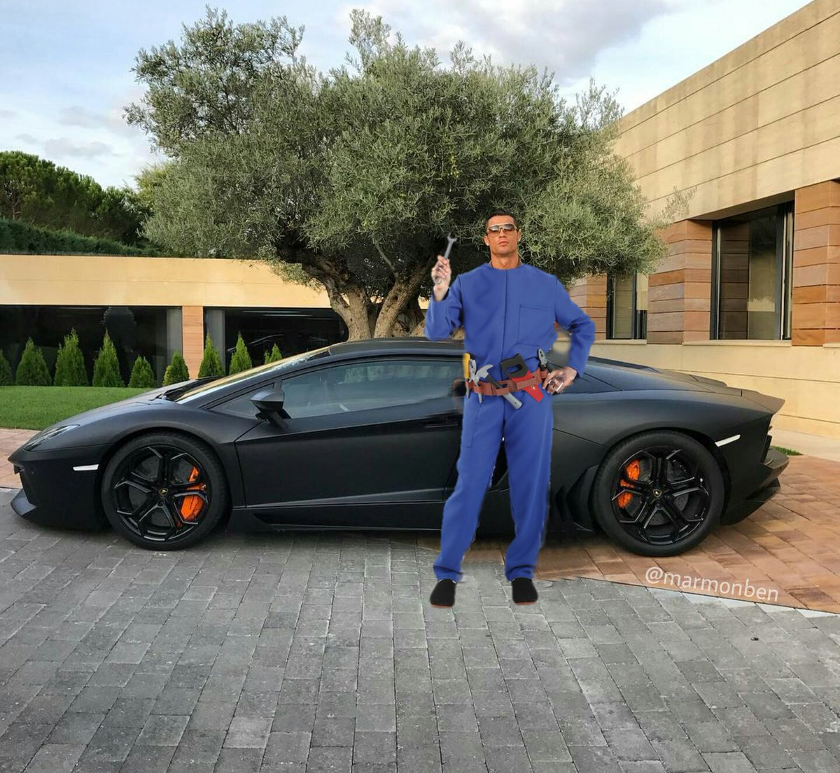 cristiano-ronaldo-post-picture-of-him-and-a-lambo-gets-the-internet-treatment_1