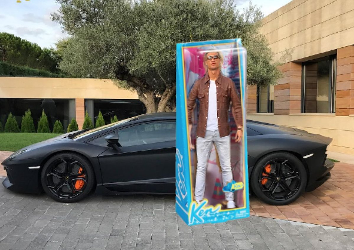 cristiano-ronaldo-post-picture-of-him-and-a-lambo-gets-the-internet-treatment_10