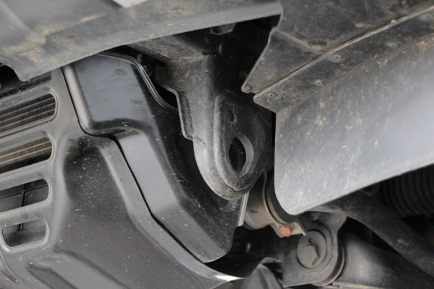 A vonószemet sem csak a kocsi saját súlyának elbírásához méretezték