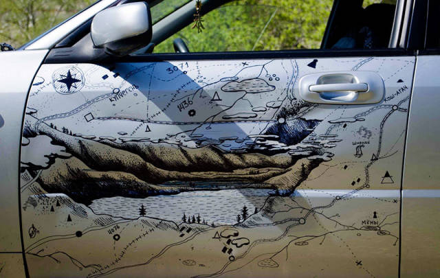 russian_guy_comes_up_with_a_creative_way_to_cover_his_car_bump_640_05