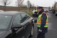Új szabályok a hazai utakon, változik a bírságolás