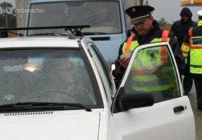 Sokan buktak a rendőri razzián