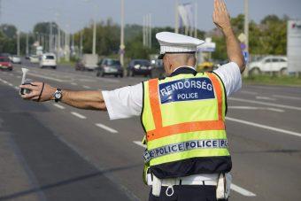 Razziát indít a rendőrség az utakon