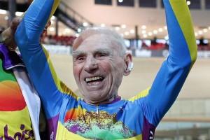 105 évesen döntött világrekordot, de miben!?