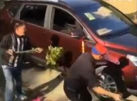 Szürreális rituáléval avatják fel az új autót