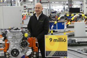 Vadiúj motorral ünnepelt a magyar Opel-gyár