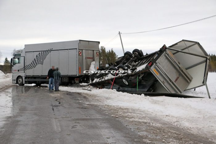 Porsche-Truck-Crash-12