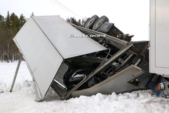 Porsche-Truck-Crash-6