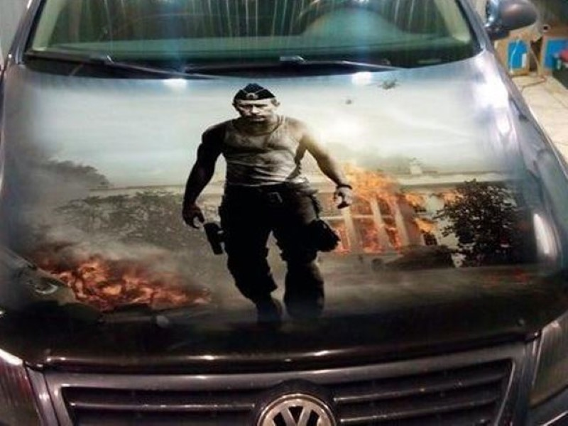 Vladimir-Putin-fans-paint-his-picture-on-their-cars-3