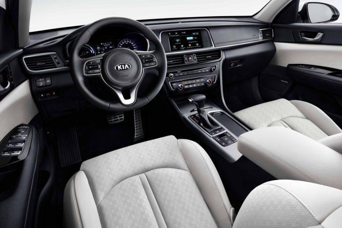 05-Kia Optima Sportswagon PHEV - interior