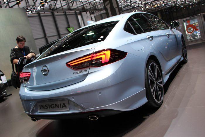 Júniusban lesz kapható az Opel új csúcsmodellje. A nagyon kemény akciókkal életben tartott előd végre nyugdíjba mehet