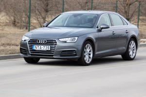Alapmotorral is Audi az A4?
