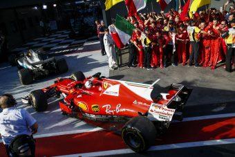 F1: A Mercedes orrára koppintottak