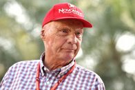 Lauda: Van egy kis pánik a Mercedesnél