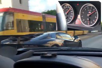 Közveszélyes farokméregetés - 200 felett tolta a Lamborghini-BMW páros a városban