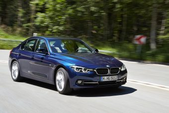 Odapörköl a Teslának a BMW, jön a villanyos 3-as
